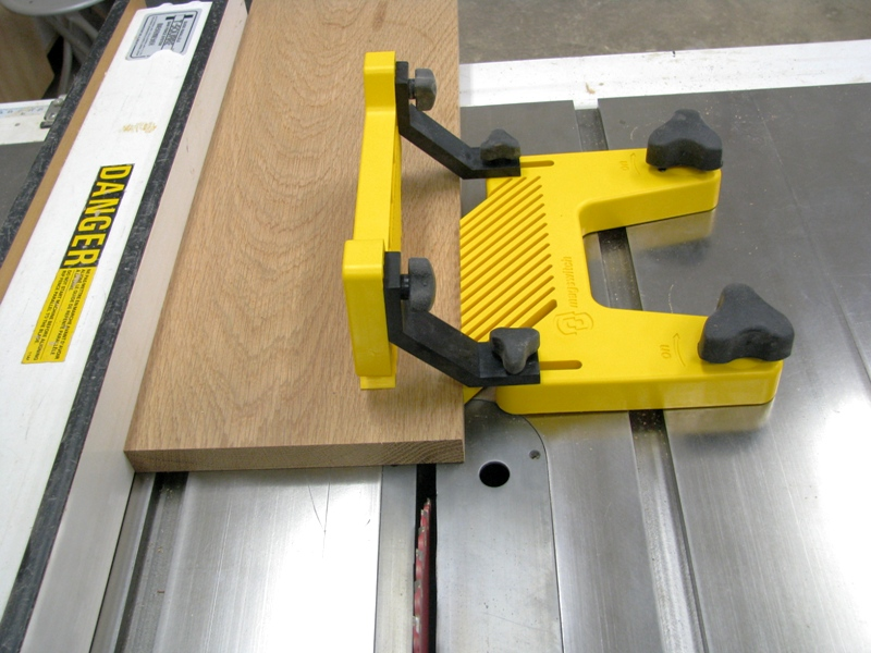 how to make a featherboard for a table saw