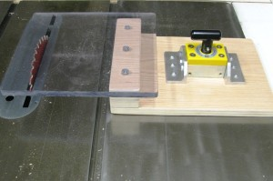 Magswitch_MagSquare_Tablesaw_Guard